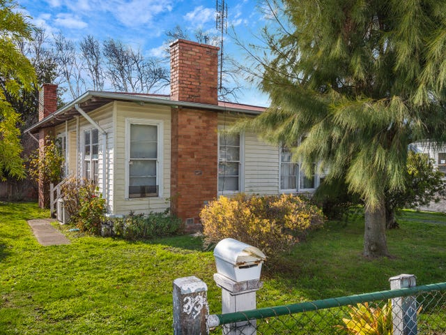 33 Anslow Street, Woodend, Vic 3442