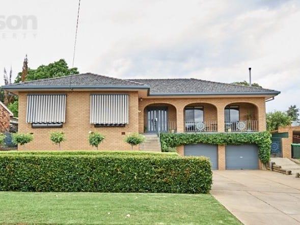 8 Banks Avenue, Kooringal, NSW 2650
