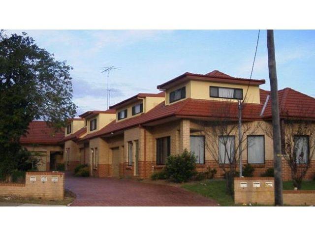 4 68-70 Castlereagh Street, Penrith, NSW 2750