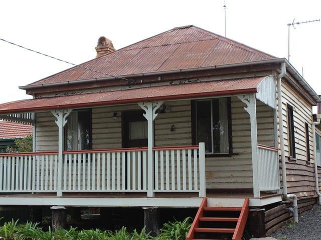 17 Moloney Street, North Toowoomba, Qld 4350