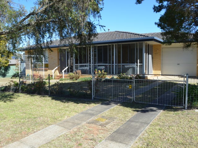 15 Esk Street, Crows Nest, Qld 4355