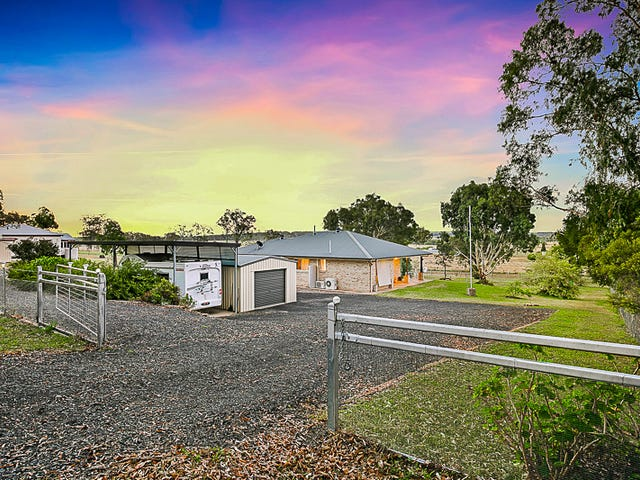 19 Golf Course Road, Goombungee, Qld 4354