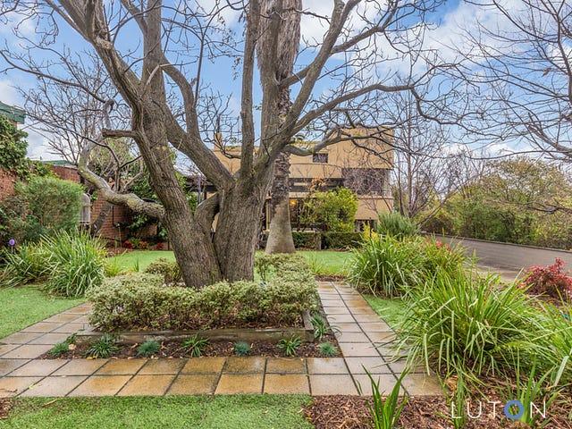 24 Uriarra Road, Queanbeyan, NSW 2620