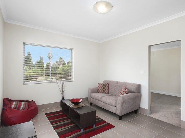 2/9 Macquoid Street, Queanbeyan, NSW 2620