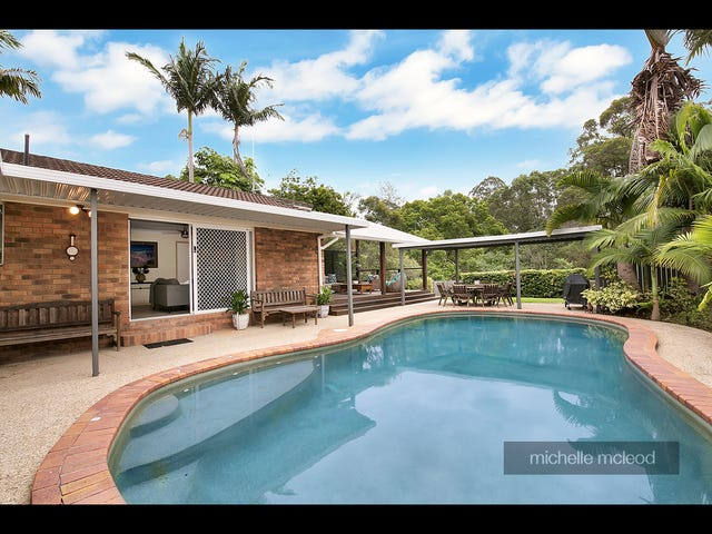90 Greenford Street, Chapel Hill, Qld 4069