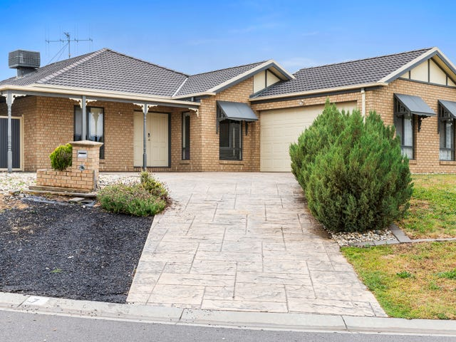 7 Rosemary Court, Golden Square, Vic 3555