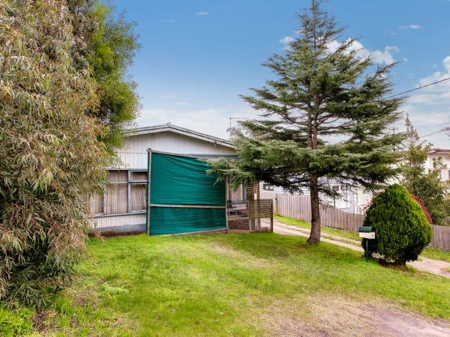 100 Seventh Avenue, Rosebud, Vic 3939
