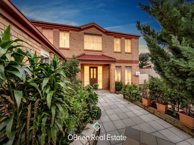 30 Gilmore Crescent, Lynbrook, Vic 3975