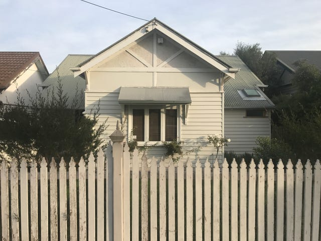 17 Blackshaws Road, Newport, Vic 3015