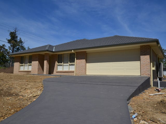 49 West Pde, Hill Top, NSW 2575