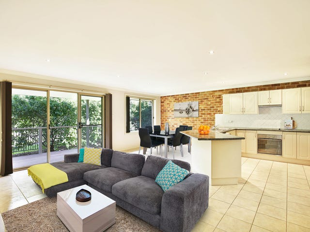 8/64 Brinawarr St, Bomaderry, NSW 2541