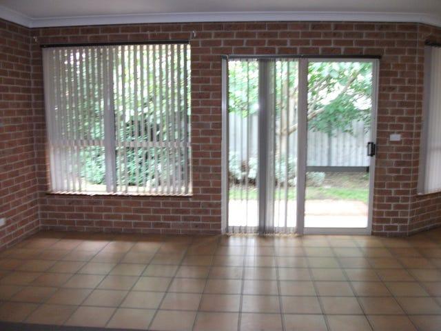 4/4 Strathaird lane, Goulburn, NSW 2580