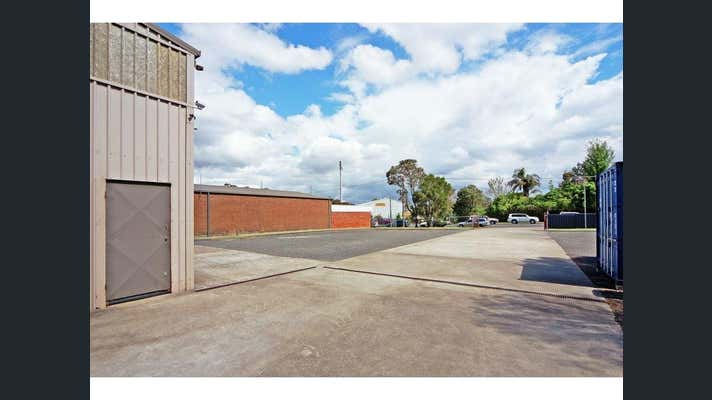15 Geary Place North Nowra NSW 2541 - Image 8