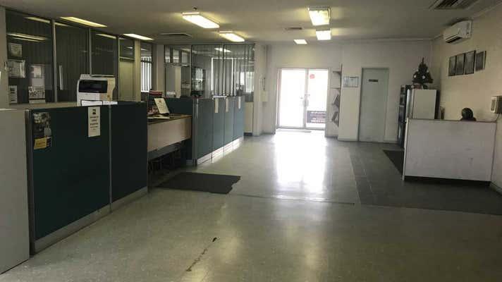 Unit 1, 90 Yass Road Queanbeyan NSW 2620 - Image 2