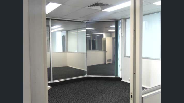 2 Chadsvale Court Woodridge QLD 4114 - Image 2
