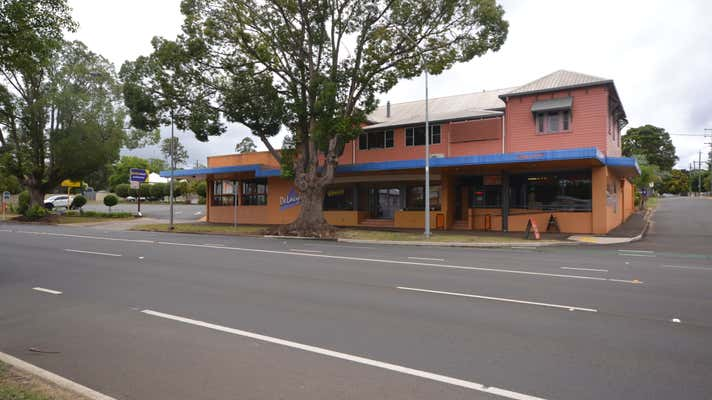 Level 1 / 220 Ruthven Street North Toowoomba QLD 4350 - Image 1