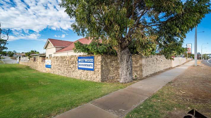 128 Chapman Road Geraldton WA 6530 - Image 2