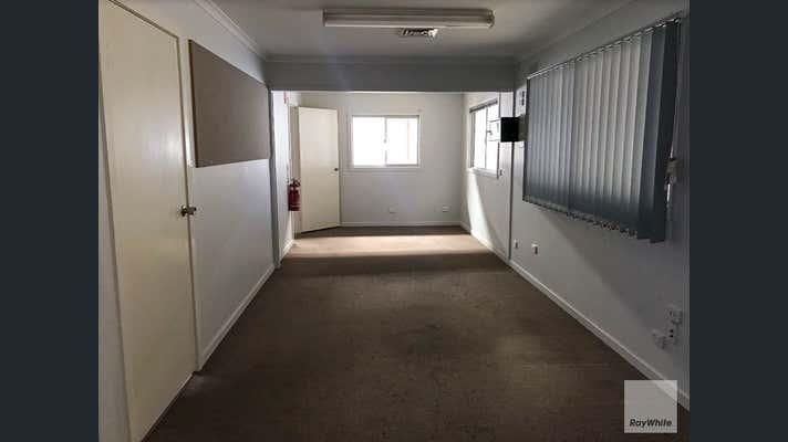 10 Moonbi Street Brendale QLD 4500 - Image 2