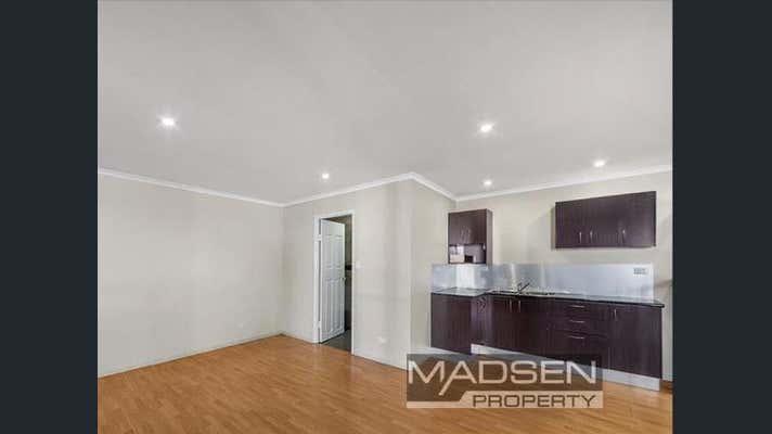 8 Shoebury Street Rocklea QLD 4106 - Image 2
