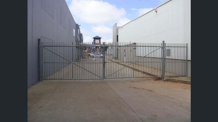 Unit 1, 3 Hurstway Court Kearneys Spring QLD 4350 - Image 4