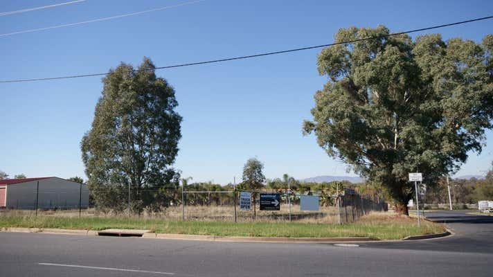 99 Catherine Crescent Lavington NSW 2641 - Image 2