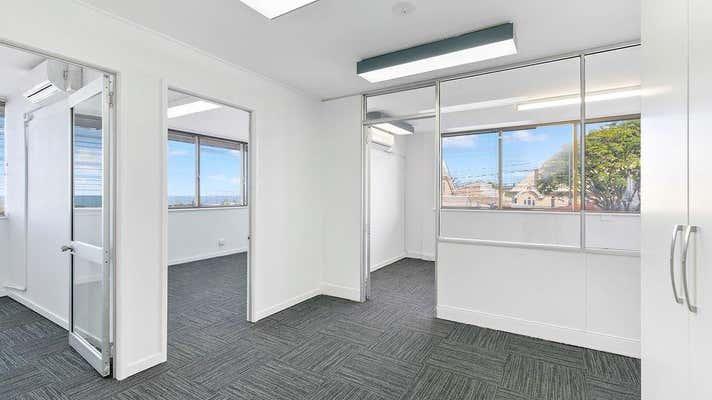 184 Bay Terrace Wynnum QLD 4178 - Image 2