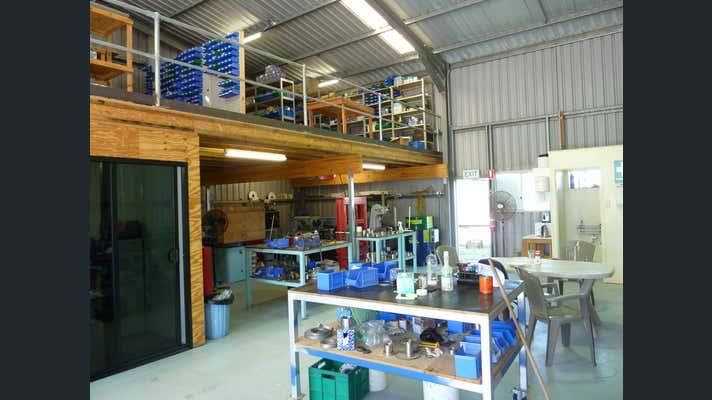 Units 1 and 2, 3 Kingdon Street Gladstone Central QLD 4680 - Image 8