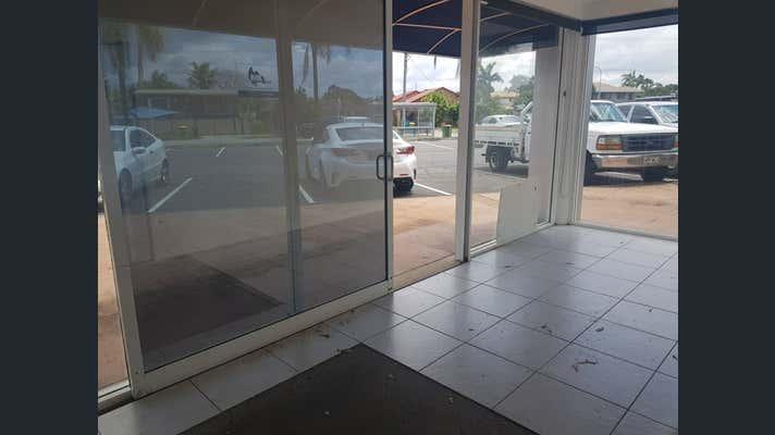 1B/251 Bayview Street Runaway Bay QLD 4216 - Image 2