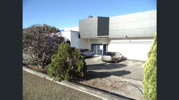 2 Chadsvale Court Woodridge QLD 4114 - Image 1