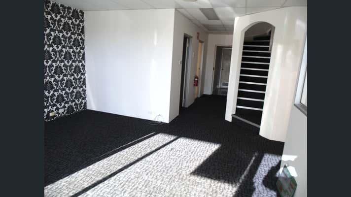 2 Chadsvale Court Woodridge QLD 4114 - Image 4