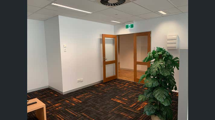 First Floor, 101/25-27 Elkhorn Avenue Surfers Paradise QLD 4217 - Image 5