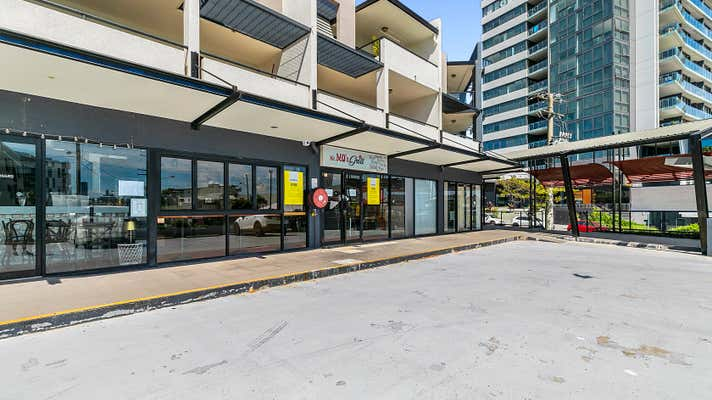 2/154 Cavendish Road Coorparoo QLD 4151 - Image 1