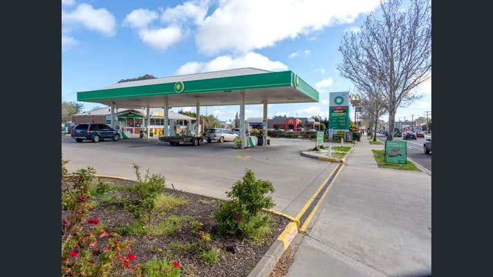 BP, 172 Calder Highway (High Street) Bendigo VIC 3550 - Image 1