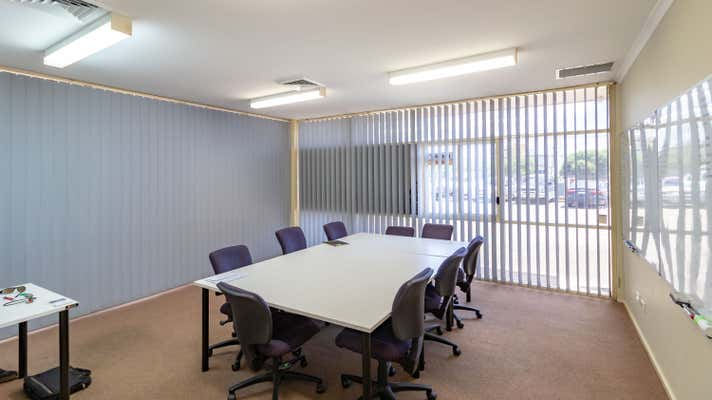7/71 Racecourse Road Rutherford NSW 2320 - Image 2