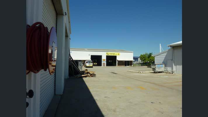 Units 1 and 2, 3 Kingdon Street Gladstone Central QLD 4680 - Image 2