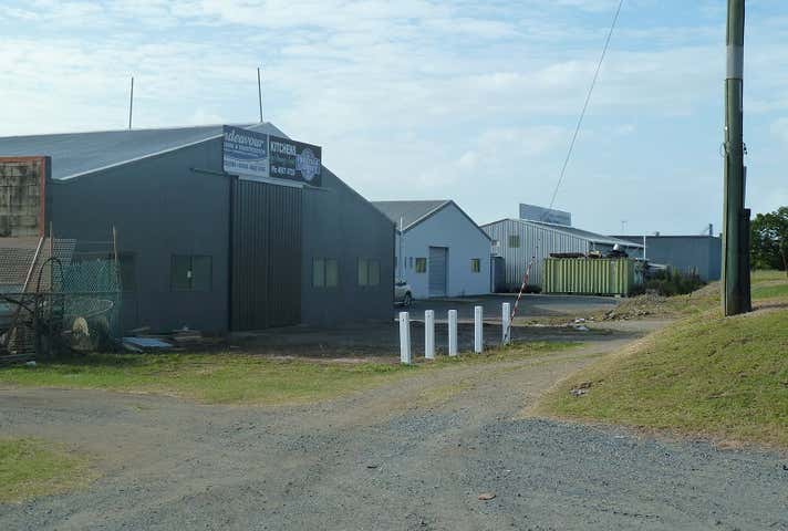 6 McCulloch Street North Mackay QLD 4740 - Image 1