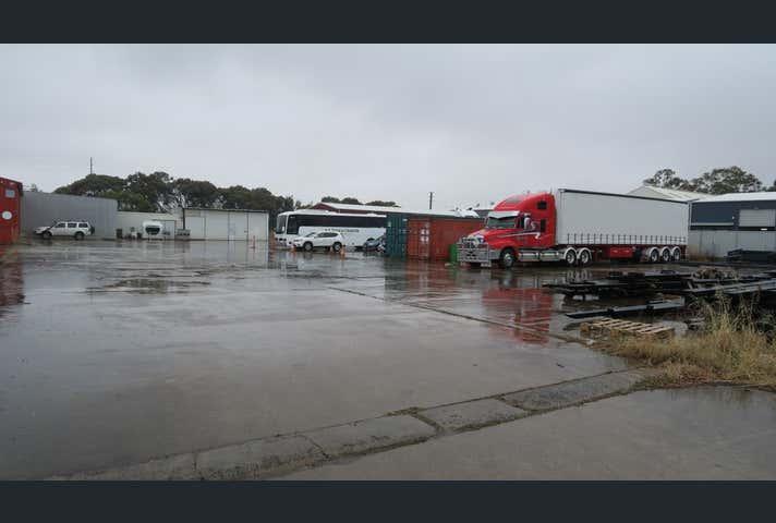 3 Palina Road Smithfield SA 5114 - Image 1