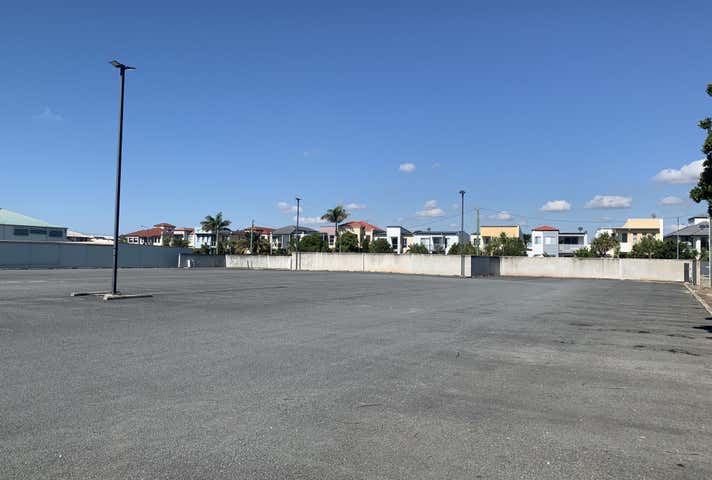 60 Sickle Avenue Hope Island QLD 4212 - Image 1
