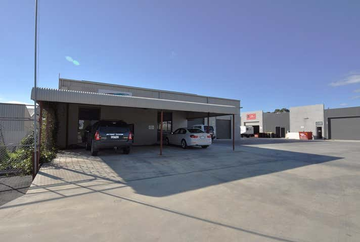 1/70 Powells Avenue East Bendigo VIC 3550 - Image 1