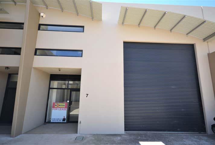 Unit 7/11-15 Gardner Court Wilsonton QLD 4350 - Image 1