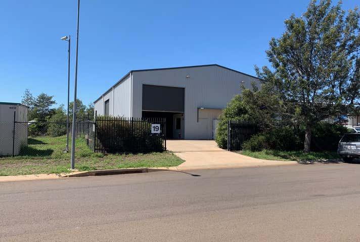 1/19 Croft Crescent Harristown QLD 4350 - Image 1
