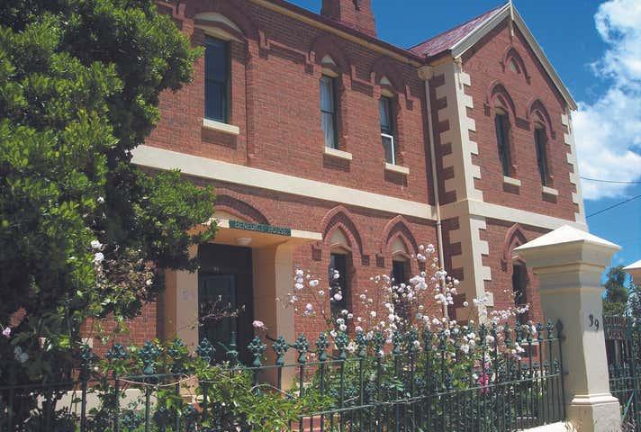 39 Isabella Street, Queanbeyan, NSW 2620