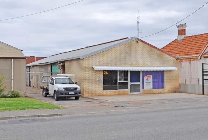 24 Sanford Street Geraldton WA 6530 - Image 1