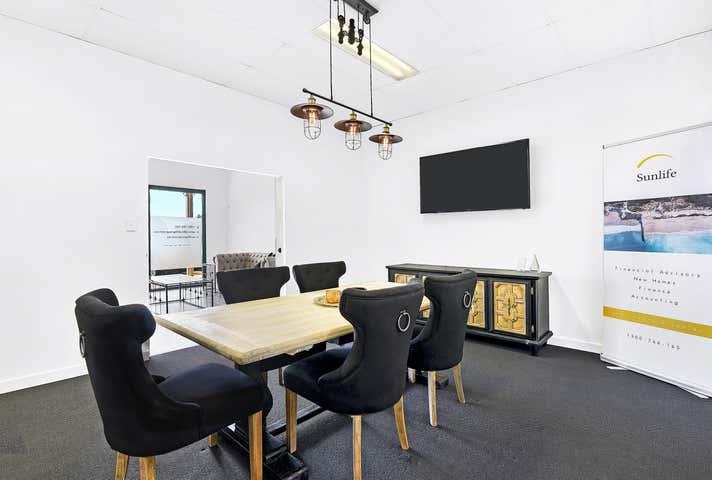 2/465 Oxley Drive Runaway Bay QLD 4216 - Image 1
