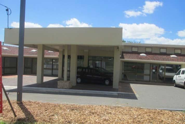 920 Logan Road Holland Park West QLD 4121 - Image 1