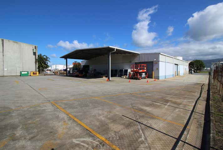 1/68 Bunda Street Portsmith QLD 4870 - Image 1