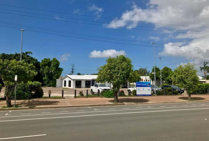 32 - 34 Bowen Road Hermit Park QLD 4812 - Image 1