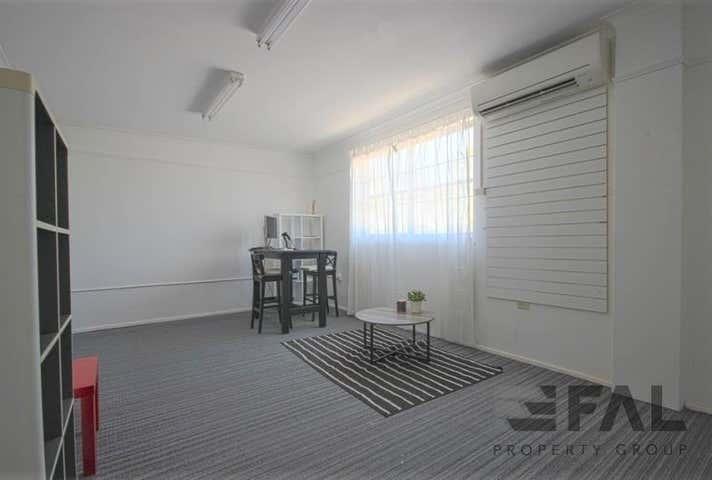 Suite  G&H, 399 Honour Avenue Graceville QLD 4075 - Image 1