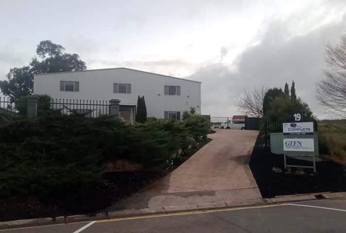 19 Crompton Road Mount Barker SA 5251 - Image 1