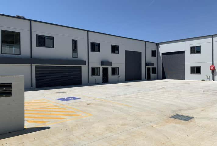Unit 4, 96 Bayldon Road Queanbeyan NSW 2620 - Image 1